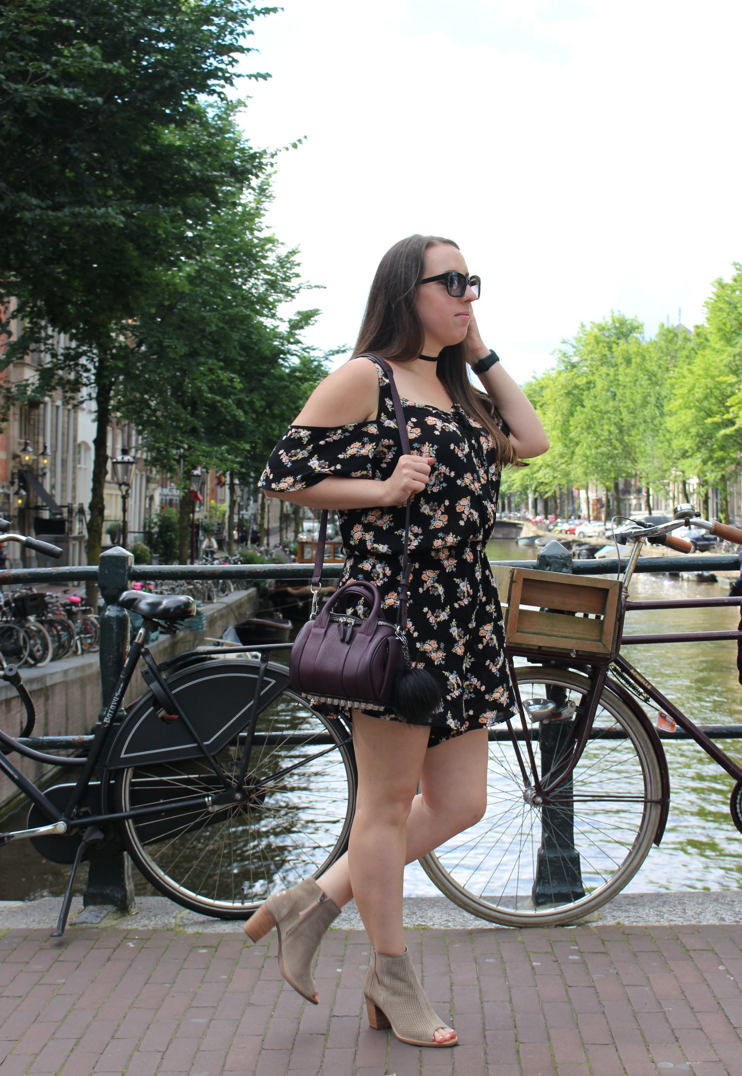 summer travel style ootd in amsterdam