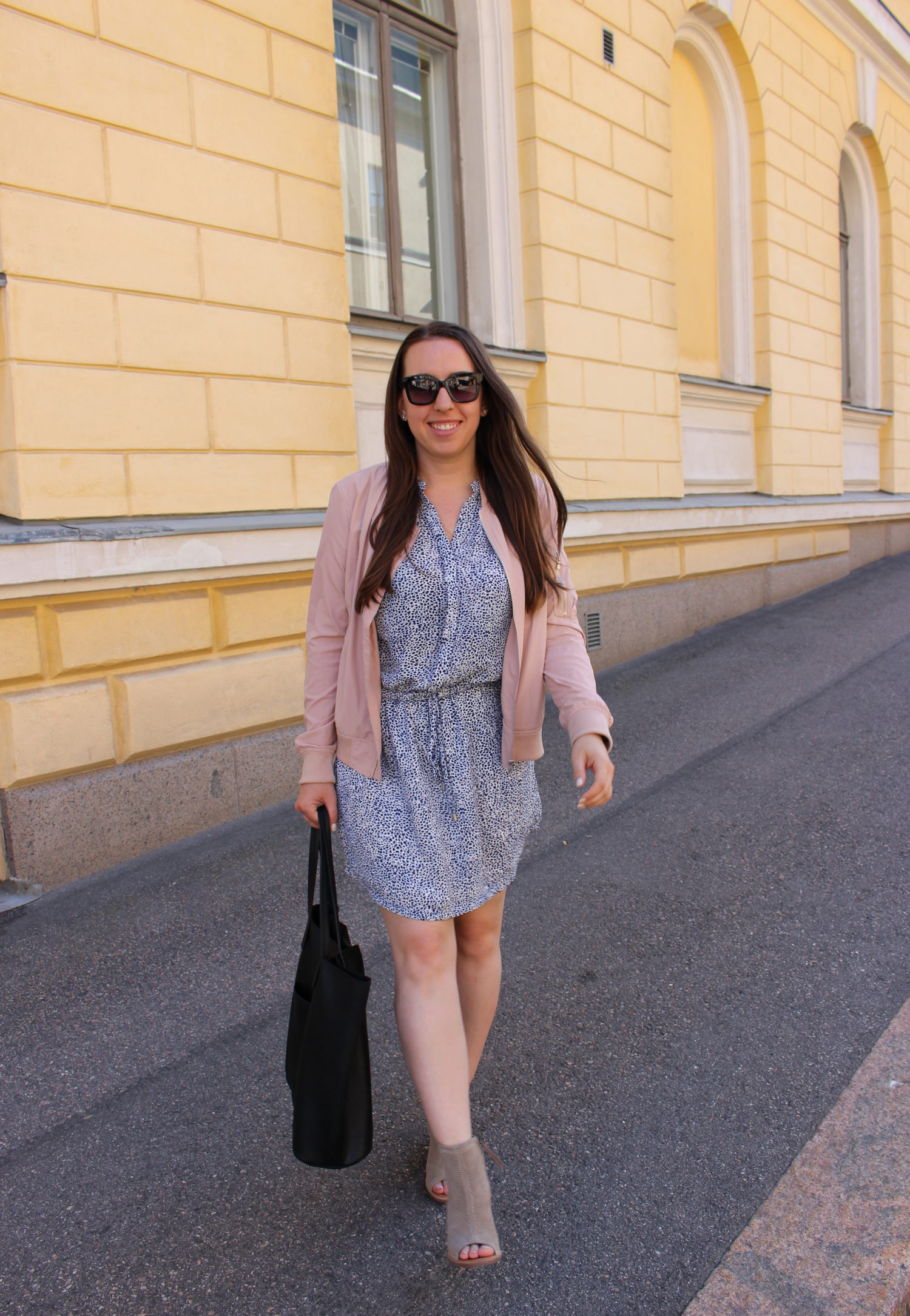 travel blogger outfit - helsinki finland