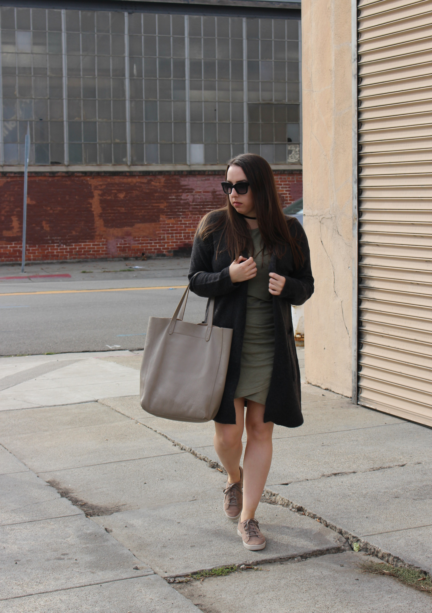 SF fashion blogger wearing fall neutrals.