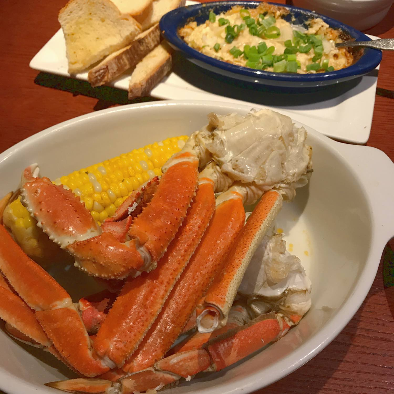 dueling crab legs at red lobster crabfest 2017