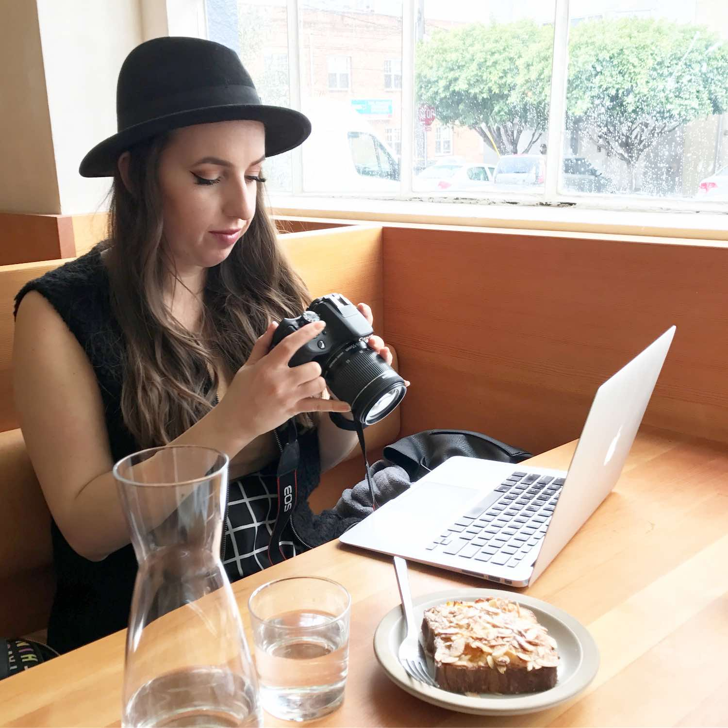 Must Have Tech for Travel - Blogger Approved DSLR & Tech Accessories